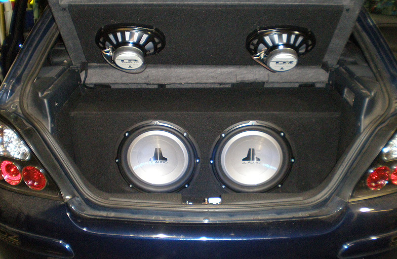 Basic Car Hifi bootbuild in a Rover 25